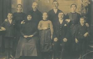 Családi kép ( három generáció)