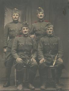 Katonák a két világháború közt